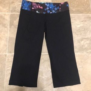 Lulu lemon capris